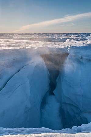 moulin en la capa de hielo de Groenlandia