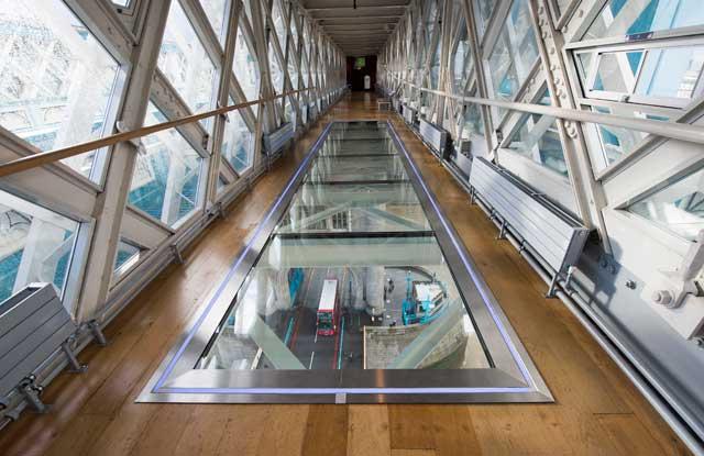 pasarela de cristal del Puente de la Torre de Londres