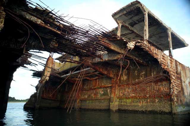 restos de un barco de hormigón