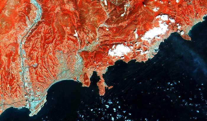 la Riviera francesa vista en infrarrojo por el Sentinel-2A