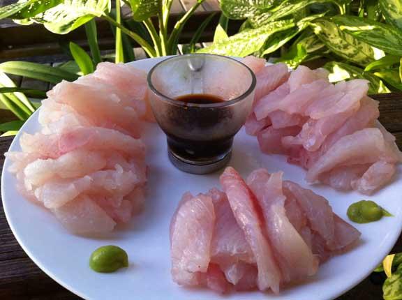 sashimi de pez león