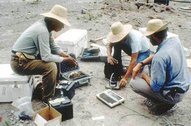 despliege e tiltometros en el Pinatubo