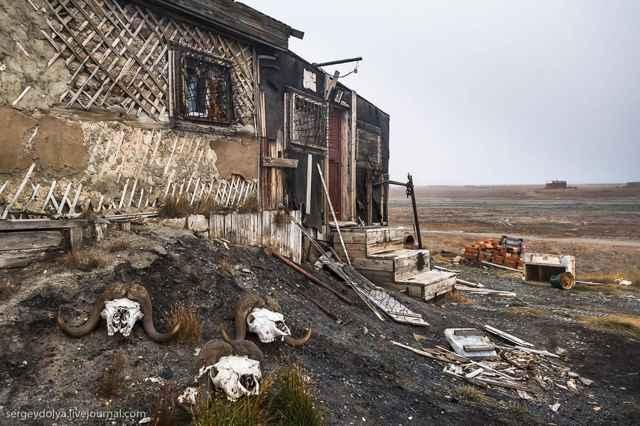 choza abandonada en la isla de Wrangel