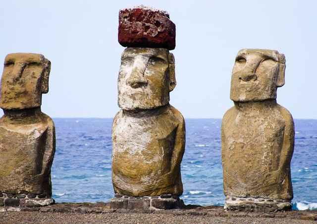 estatuas moais de la Isla Pascua