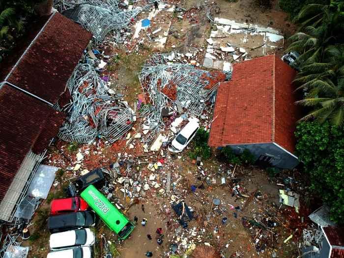 efectos del tsunami en Carita, Indonesia