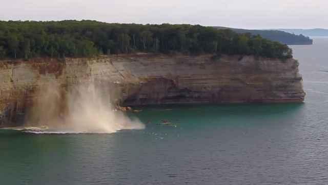derrumbe de un acantilado en el Lago Superior