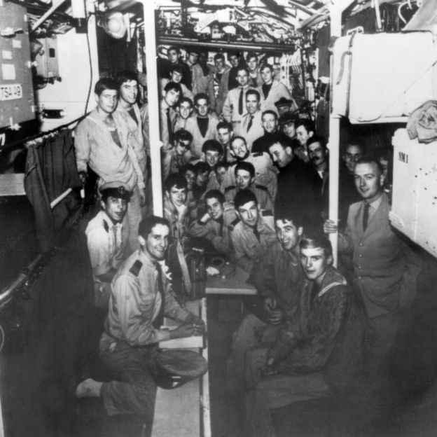 tripulación del submarino Minerve