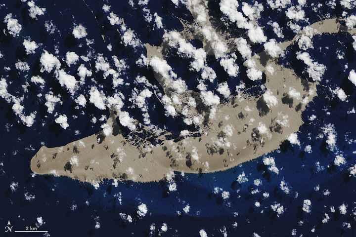 balsa de piedra pómez desde satélite