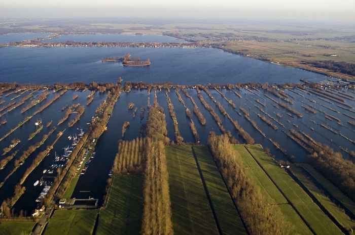 islas alargadas de los lagos Loosdrecht