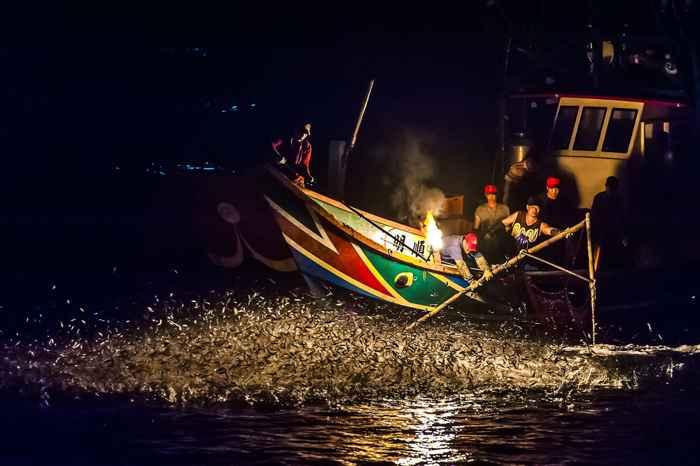 pesca con fuego sulfúrico