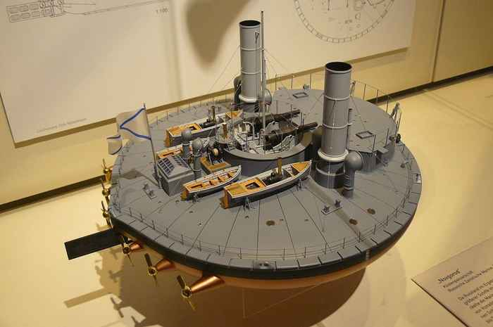 modelo a escala del Novgorod