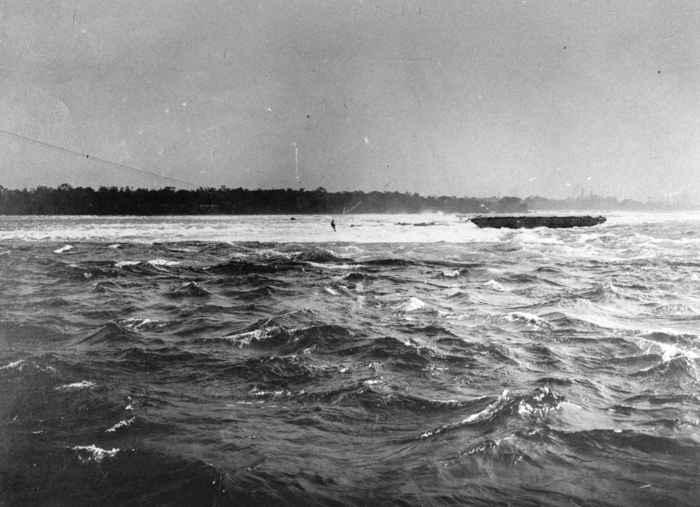 rescate en el río Niágara