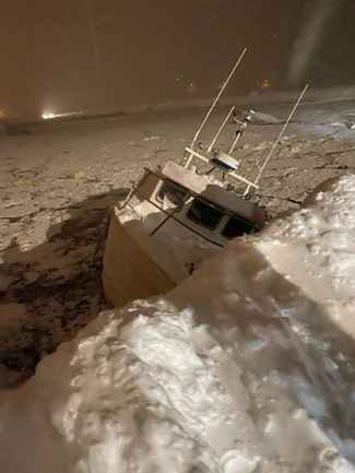 barco hundido por la avalancha de Flateyri