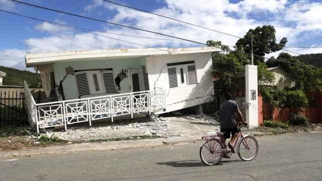 casa derruida en Puerto Rico