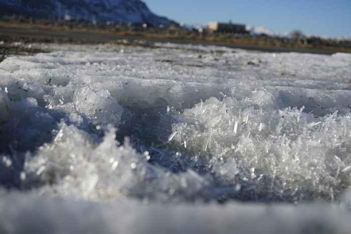 cristales de mirabilita en el Gran Lago Salado