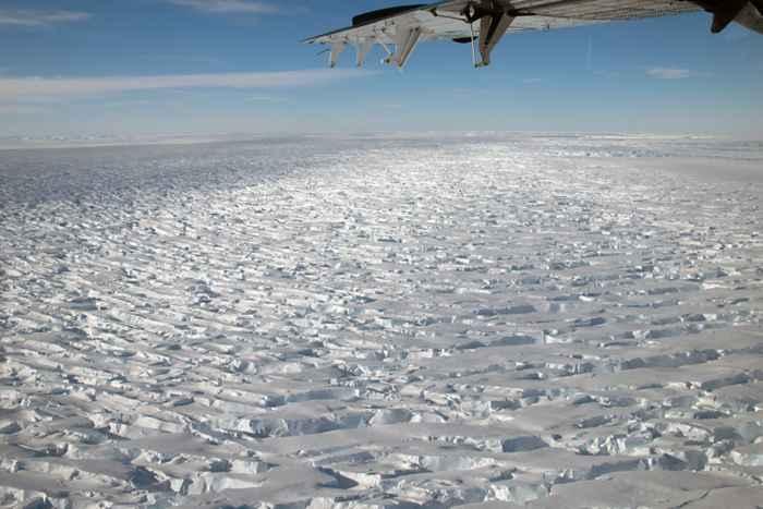 grietas en el glaciar Thwaites