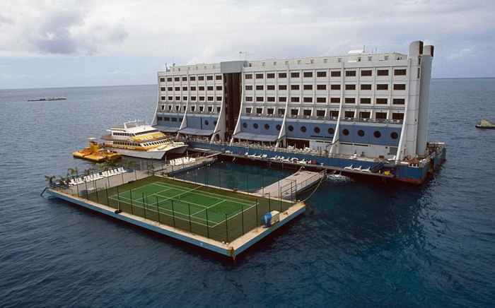 Hotel flotante australiano Four Seasons Barrier Reef Resort