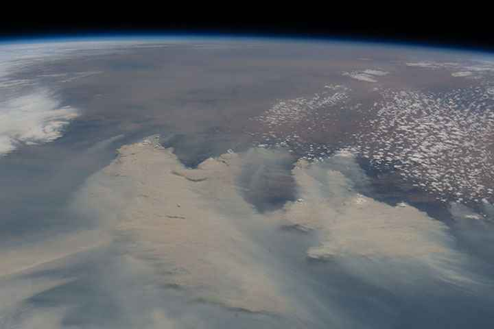 nubes Pirocumulonimbus de incendios en Australia desde satélite
