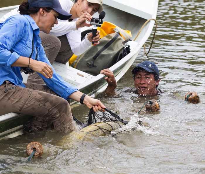 Lesley de Souza captura un Arapaima