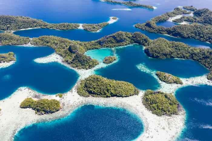 islas en el triángulo de coral