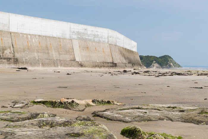 dique de contención de tsunamis en Japón