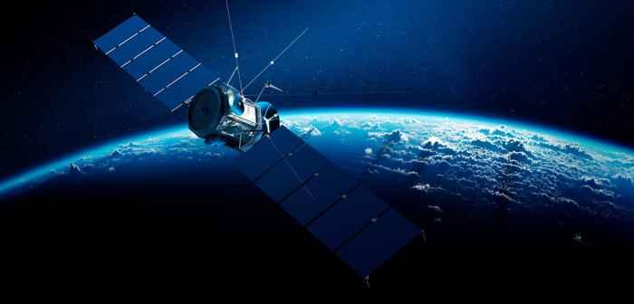 satélite sobre el océano