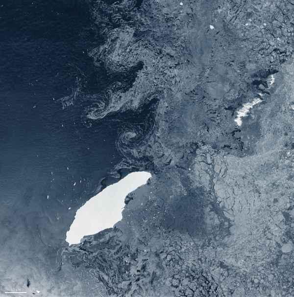 iceberg A-68A en aguas abiertas