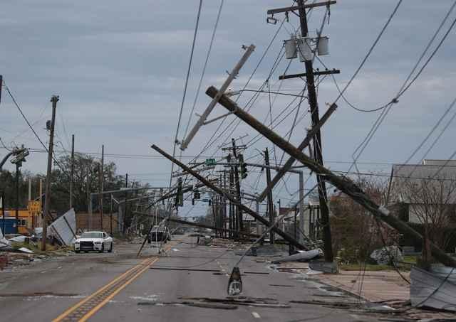 destrucción por el huracán Laura