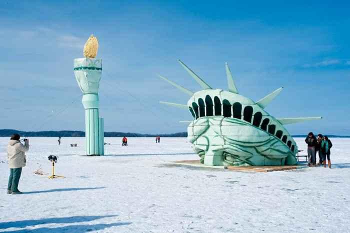 Estatua de la Libertad del Lago Mendota