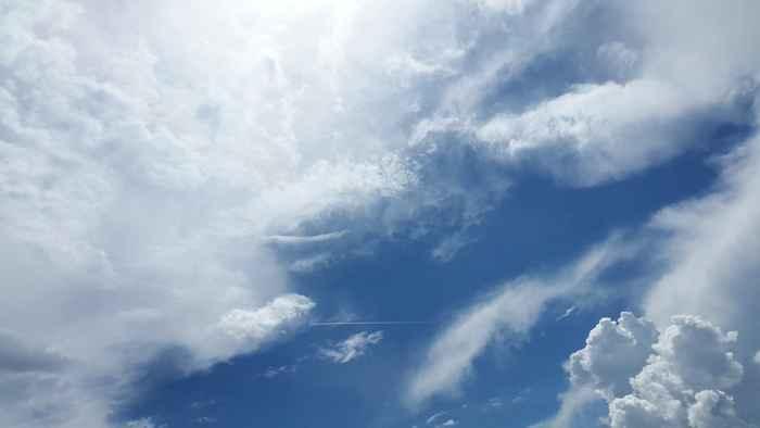 nubes sobre el océano