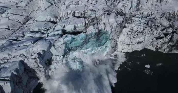 derrumbe en el glaciar Breiðamerkurjökull (Islandia)
