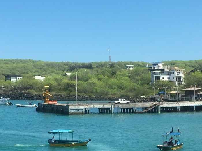 muelle de carga en San Cristobal, Islas Galápagos