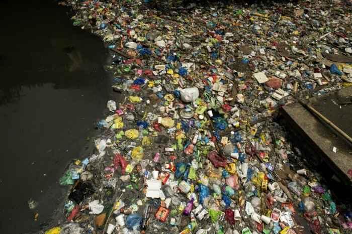 plásticos marinos