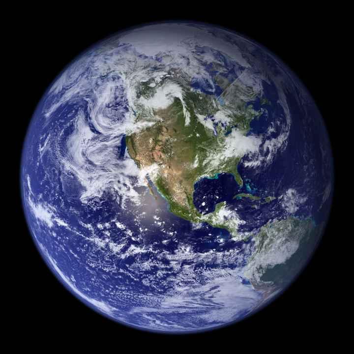 la Tierra canica azul