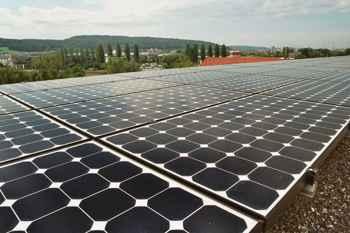 paneles solares en tierra