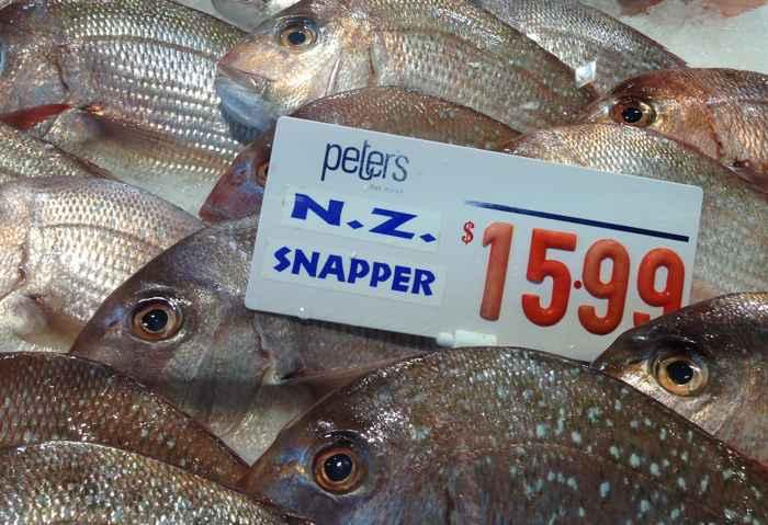 peces en una pescadería
