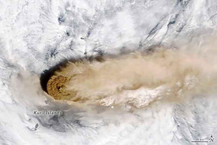 erupción del volcán Raikoke, imagen MODIS