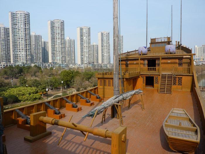 réplica de un barco del tesoro de Zheng He, cubierta