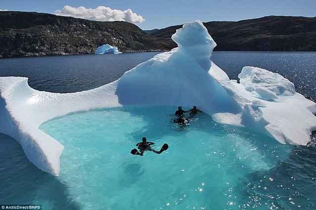buceo en un iceberg