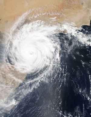 El ciclón tropical Chapala sobre el Golfo de Adén