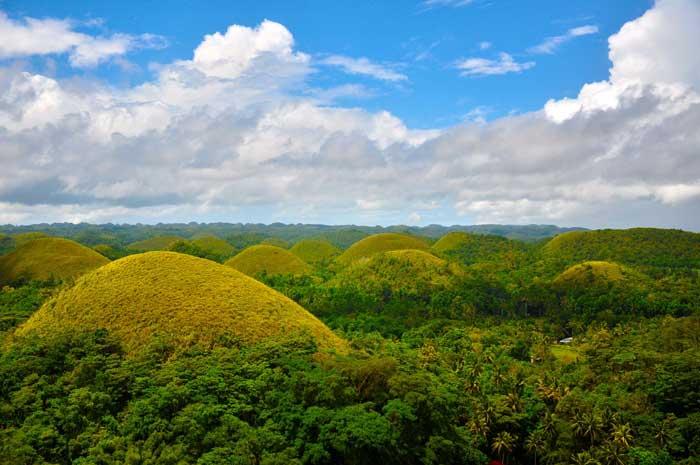Las Colinas de Chocolate, Filipinas