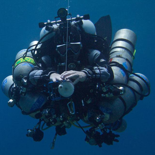 El Dr. Guy Garman durante una inmersión