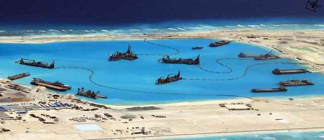 dragado de barcos de China en las Spratly Islands