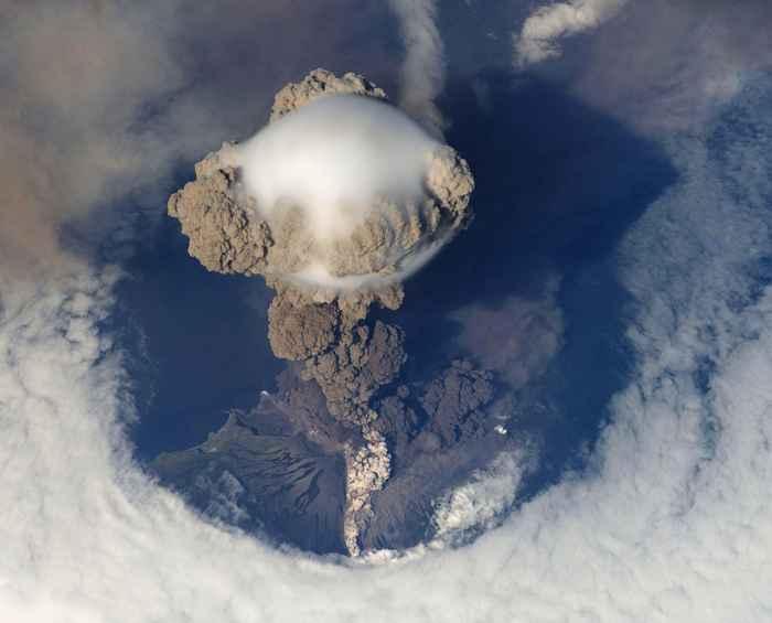 erupción del volcán Sarychev