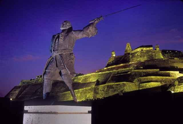 estatua de Blás de Lezo en Cartagena de Indias, Ccolombia