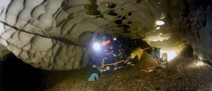 Expedición Bjurälven 2015, submarinismo en la cueva