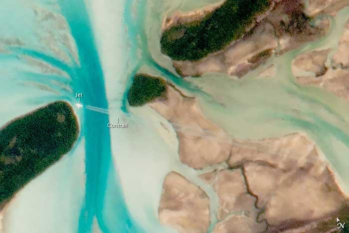 avión entre los cayos de Gran Exuma, Bahamas
