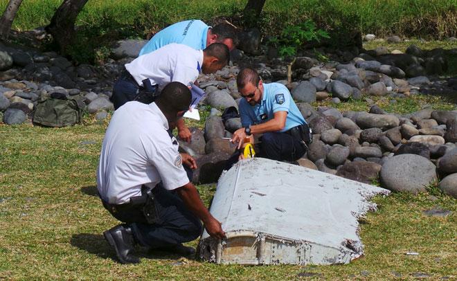 flaperón de Boeing 777 encontrado en la isla Reunión