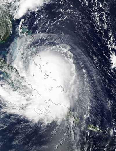 el huracán Joaquín sobre las Bahamas, imagen de satélite