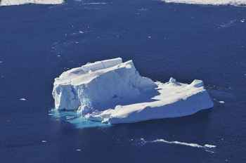 iceberg en el Mar de Admusen